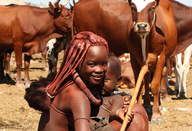 Namibia Höhepunkte Himbajunge